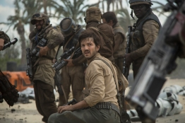 Rogue One: A Star Wars Story..Cassian Andor (Diego Luna)..Ph: Jonathan Olley..© 2016 Lucasfilm Ltd. All Rights Reserved.