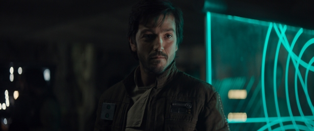 Rogue One: A Star Wars Story..Cassian Andor (Diego Luna)..Ph: Film Frame..© 2016 Lucasfilm Ltd. All Rights Reserved.