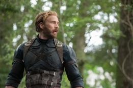 Marvel Studios' AVENGERS: INFINITY WAR..Captain America/Steve Rogers (Chris Evans)..Photo: Chuck Zlotnick..©Marvel Studios 2018